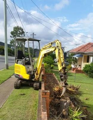 1.7t zero turn mini excavator and tipper for hire