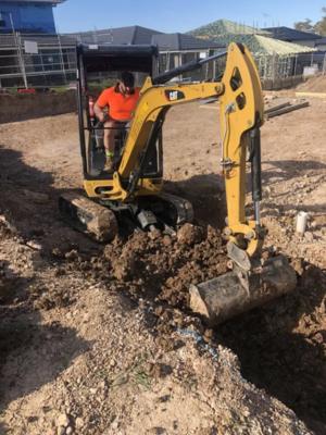 Hire Excavator Caterpiller 1.8T