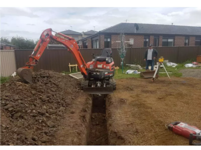 Hire Combo truck (4 meter tipper ) and  1.7T excavator