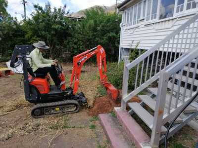 HERCULES H!RE - Kubota K008-3 Micro Excavator 800mm wide for HIRE $200/day + $50 for auger drive and augers