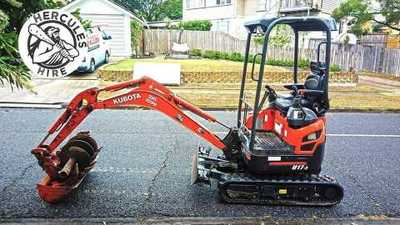 HERCULES HIRE - Kubota U17-3 Mini Excavator 990mm wide for Hire $200/day, Auger drive and augers $50 Free Pickup from Rocklea, Can deliver