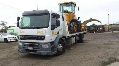 Hire Medium Single Axle Tilt Tray - Carries up to 6.5 tonnes