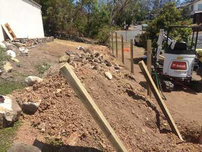 Bobcat E20 excavator for hire, with operator- Doolandella / Forest Lake, Queensland