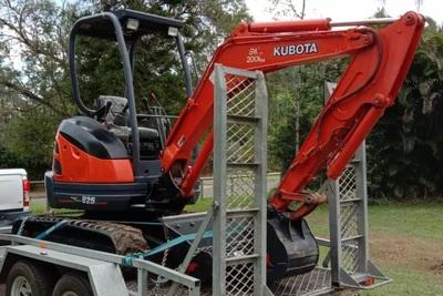 Excavator Kubota U25-3 (2.5t Machine) for wet or dry hire