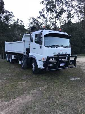 Hire 14t Twin Steer Tipper.