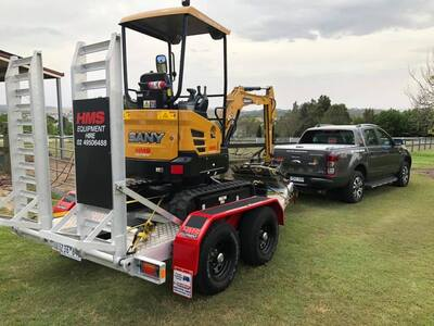 1.6T SANY Mini Excavator - Dry Hire Equipment Available