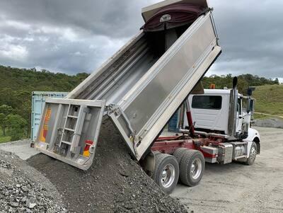 Hire 10m3 Tandem Drive Tipper Truck - Gold Coast, Brisbane, Helensvale, Logan, Tweed Heads, Murwillumbah, Ballina and Byron Bay