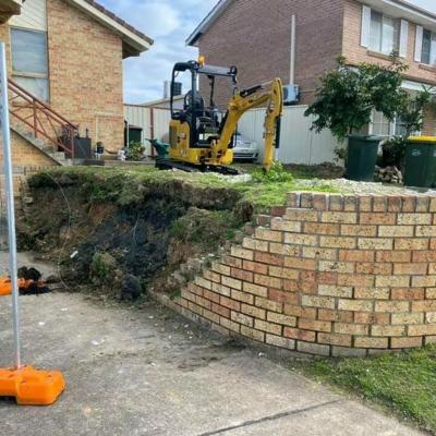Hire 1.7T new CAT excavator